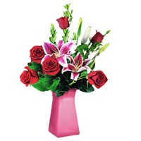 6-roses-in-a-vase-for-them